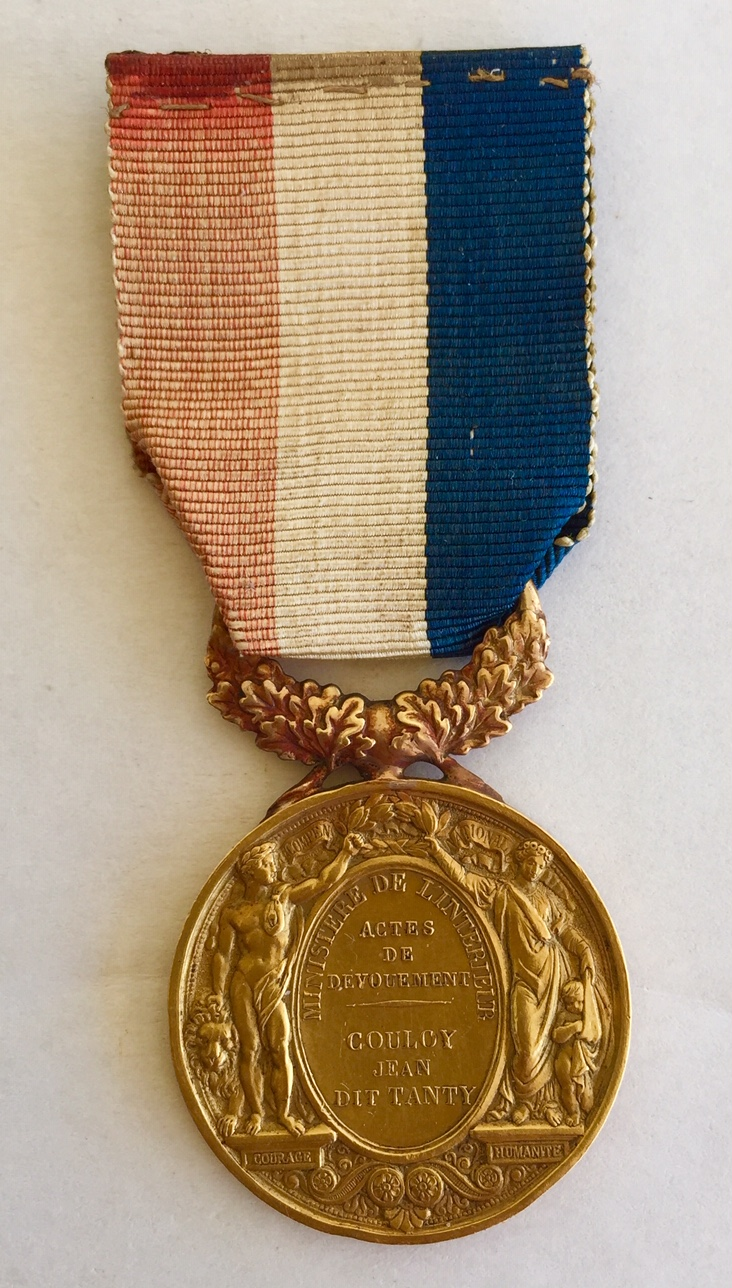 Médaille d'honneur ministère de l'intérieur II empire en or massif + diplôme Img_3415