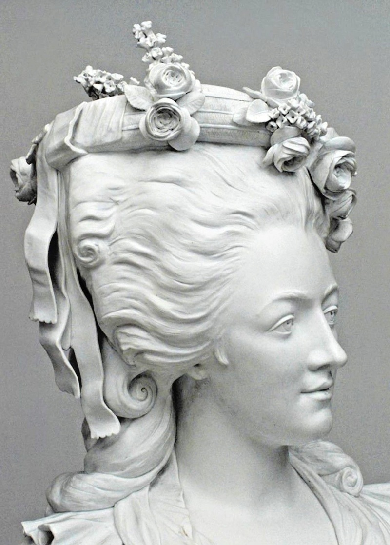 A vendre: bustes Marie Antoinette - Page 6 French12