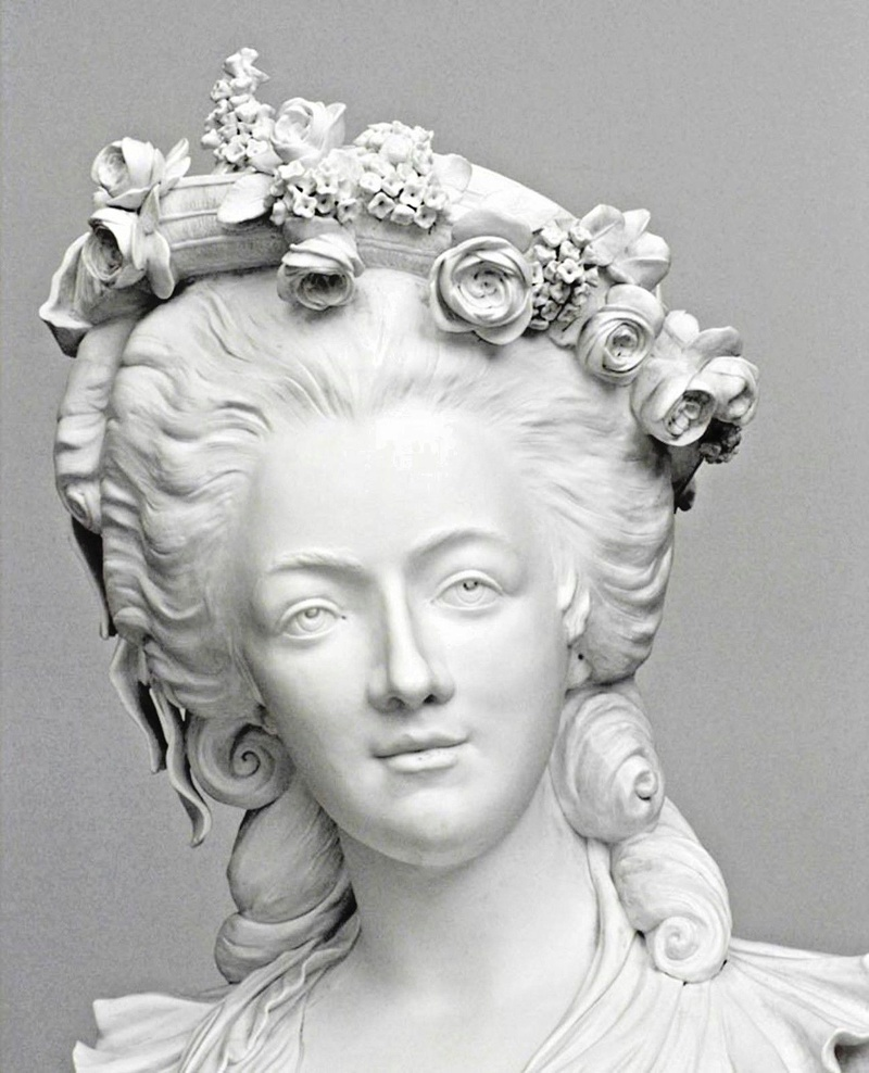 A vendre: bustes Marie Antoinette - Page 6 French13