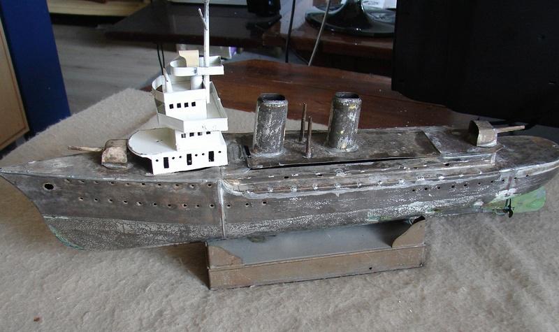 restauration maquettes-jouets Dumont d'Urville et L'Alerte Dsc01510