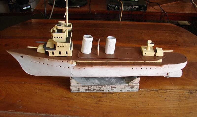 restauration maquettes-jouets Dumont d'Urville et L'Alerte Dsc01511