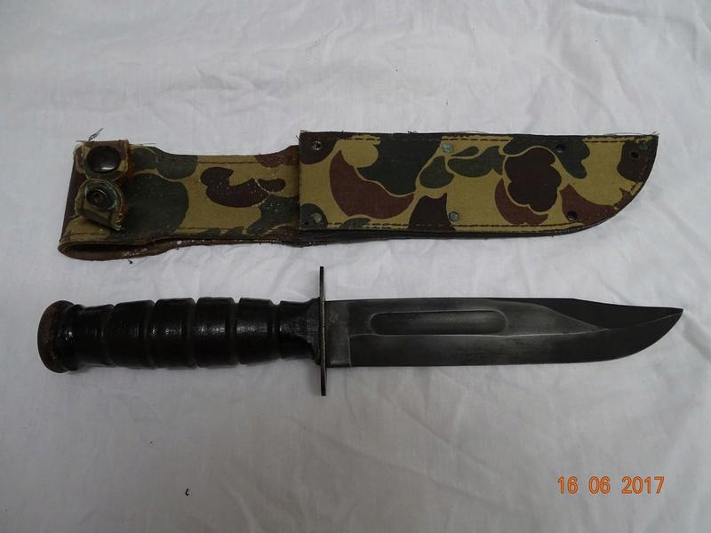 Un Camillus post 1974 avec un etui camouflage Dsc03212