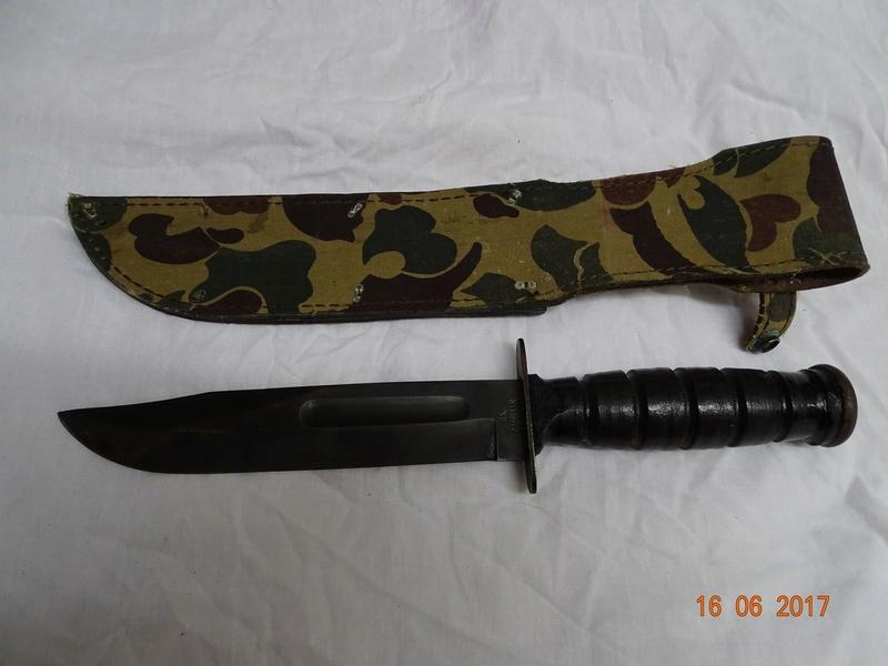 Un Camillus post 1974 avec un etui camouflage Dsc03213