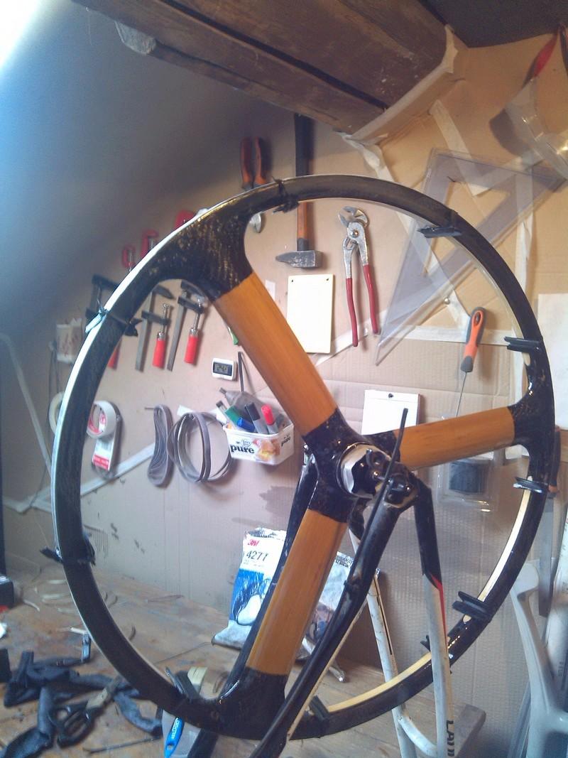 Bamb'hed une paire de roues bambou carbone pour un TD bambou carbone Img_2014