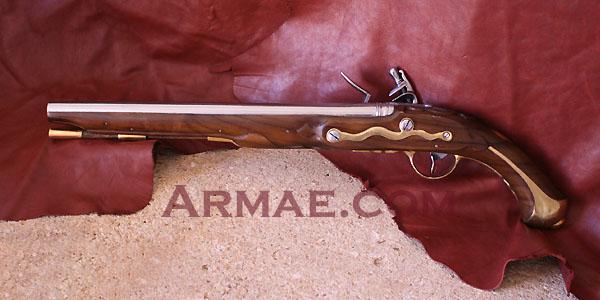 pistolet d'arçon fabrication première moitié XVIII... peut-être germanique... ou pas! Pistol13