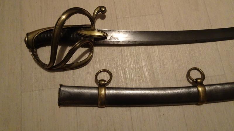 Les sabres d'officier de cavalerie légère à la chasseur Dsc00526
