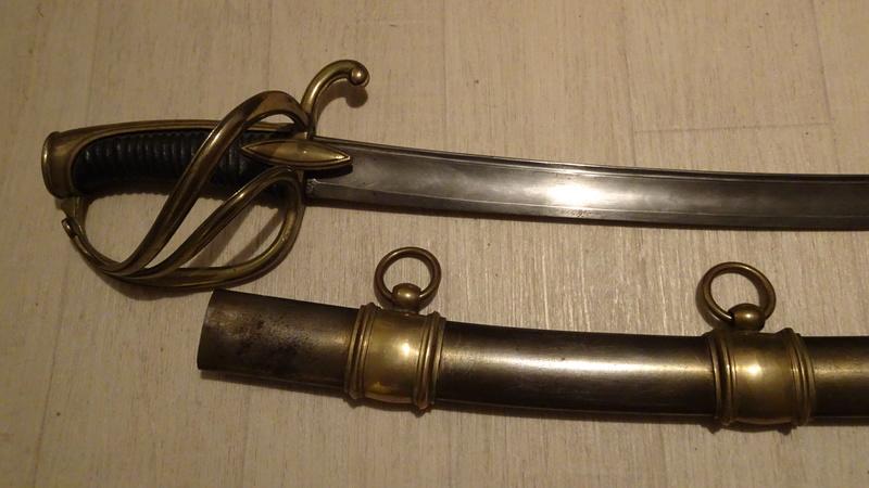 Les sabres d'officier de cavalerie légère à la chasseur Dsc00529