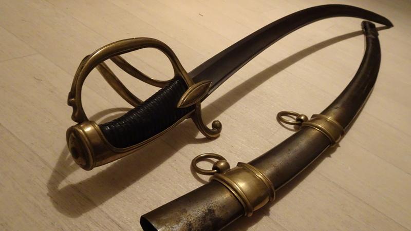 Les sabres d'officier de cavalerie légère à la chasseur Dsc00534
