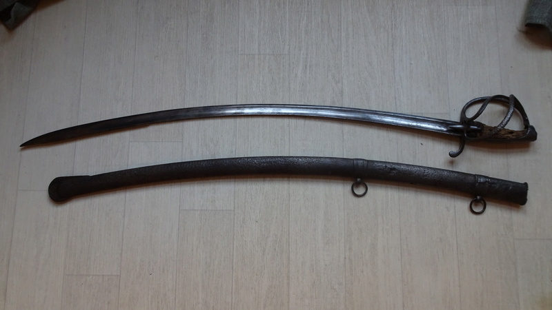 sabre d'officier holandais dans le style du modèle de cavalerie légère 1813 n°2 Dsc00728