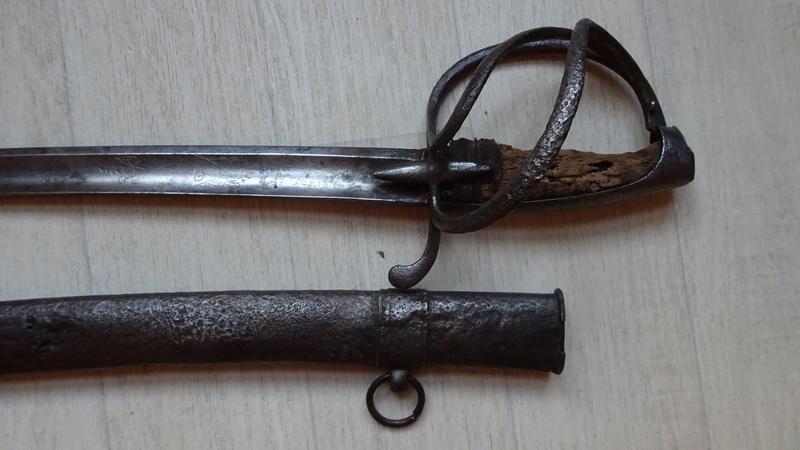 sabre d'officier holandais dans le style du modèle de cavalerie légère 1813 n°2 Dsc00729