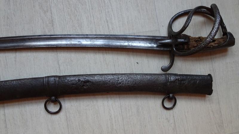 sabre d'officier holandais dans le style du modèle de cavalerie légère 1813 n°2 Dsc00812