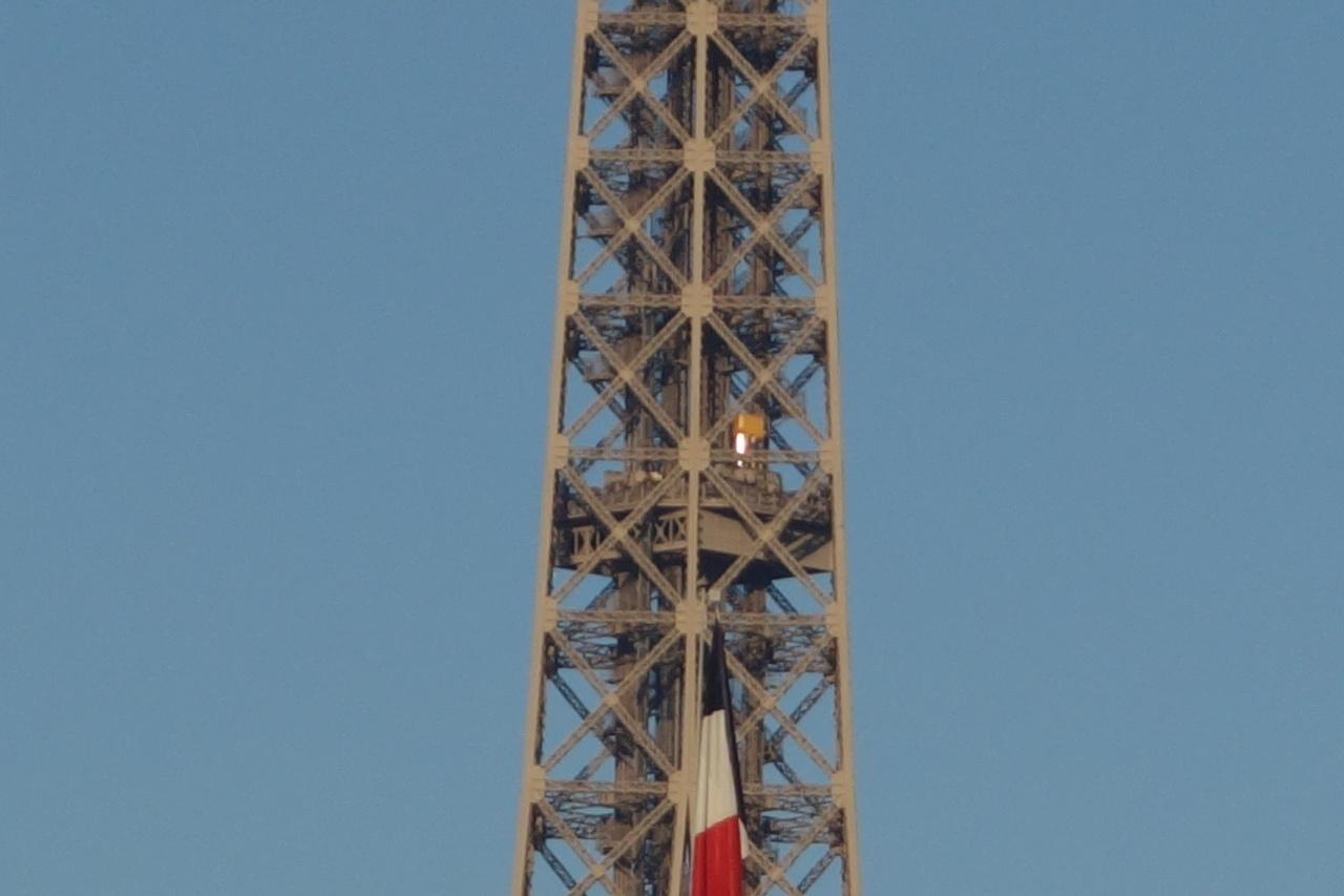 Projet de réalisation de l'étage intermédiaire entre 2ème et 3ème étage de la Tour Eiffel 0310