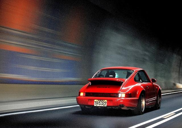 Une Belle photo de Porsche - Page 5 1-pors10