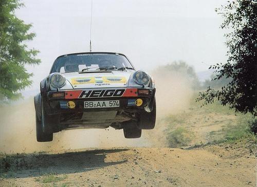 Une Belle photo de Porsche - Page 5 D5bba510