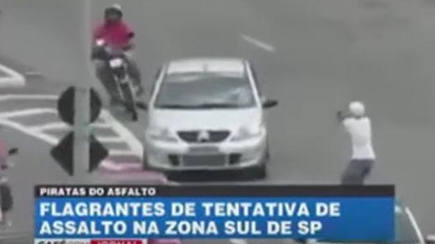 Les deux plus mauvais voleurs de voiture du siècle. 16012010