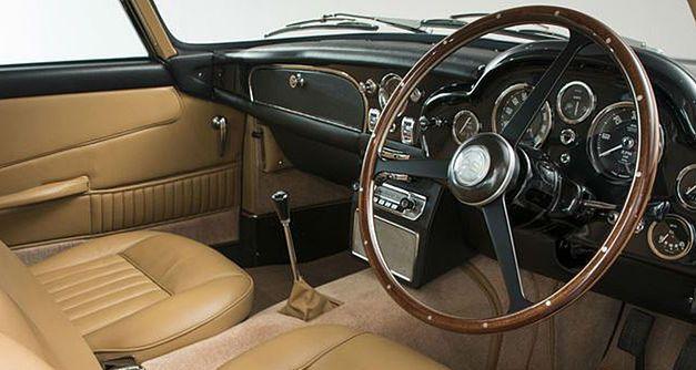 Un million d'euros pour la plus belle des Aston Martin DB5 1964as28