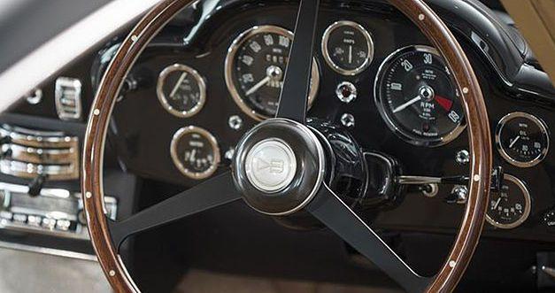 Un million d'euros pour la plus belle des Aston Martin DB5 1964as30