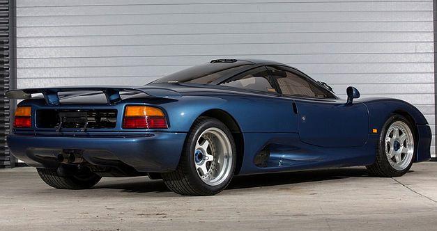 Une très rare Jaguar XJR-15 de 1991 en vente au Royaume-Uni. 1991ja21