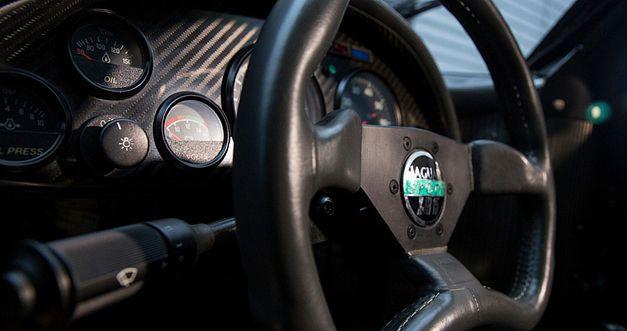 Une très rare Jaguar XJR-15 de 1991 en vente au Royaume-Uni. 1991ja27