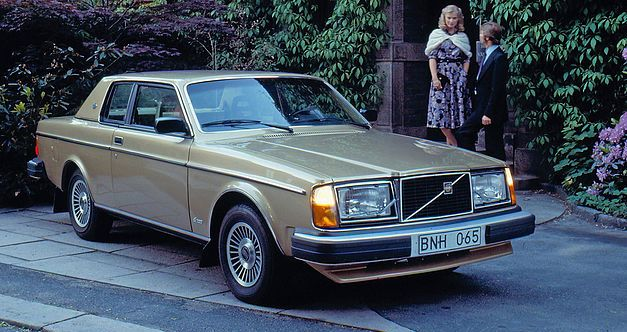 L'italo-suédoise Volvo 262C fête ses 40 ans. 341