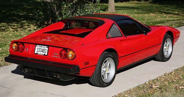 La Ferrari de Magnum proposée aux enchères. 414