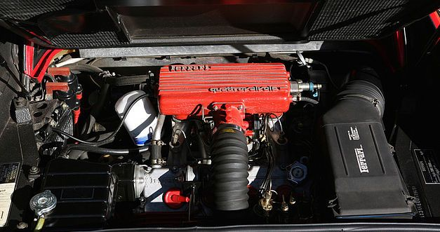 La Ferrari de Magnum proposée aux enchères. 614