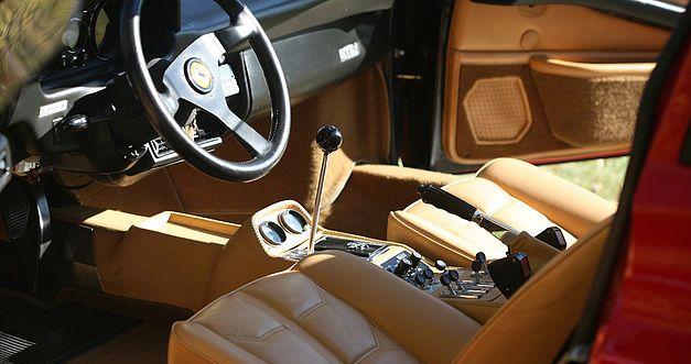 La Ferrari de Magnum proposée aux enchères. 715