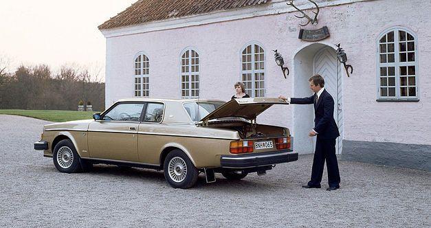 L'italo-suédoise Volvo 262C fête ses 40 ans. 823