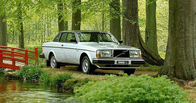 L'italo-suédoise Volvo 262C fête ses 40 ans. 923
