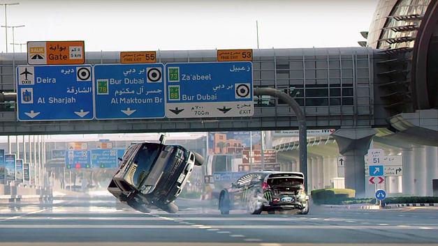Ken Block s'amuse avec la police à Dubaï ! Ken-bl10