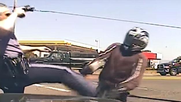 Un motard frappé par un policier reçoit 180.000 $ de compensation Motard10