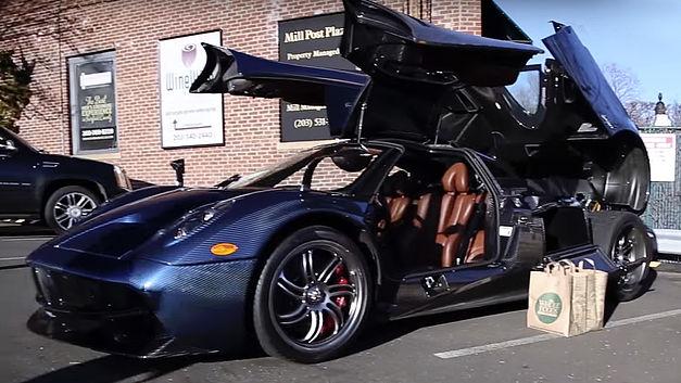 Pratique, une voiture de 2 millions de dollars pour faire les courses ? Pagani10