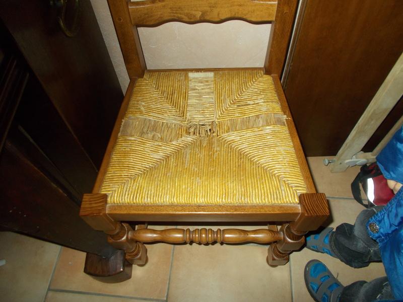 Refaire une assisse de chaise Dscn1110