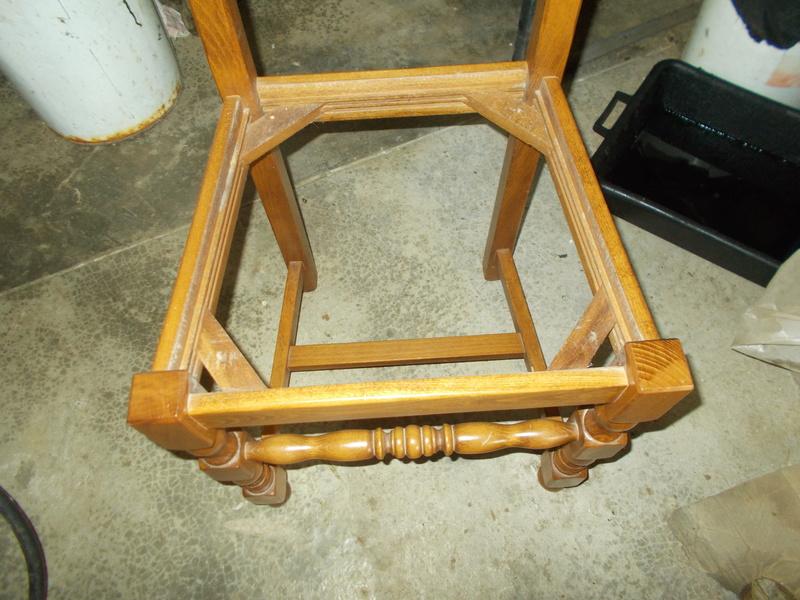 Refaire une assisse de chaise Dscn1113