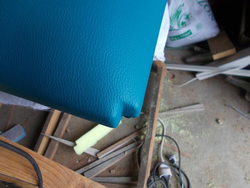 Refaire une assisse de chaise Dscn1125