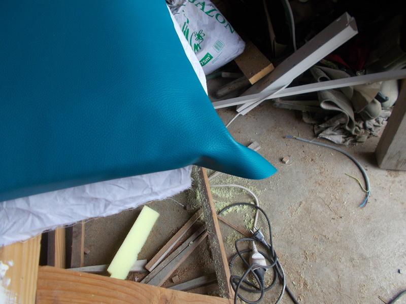 Refaire une assisse de chaise Dscn1128