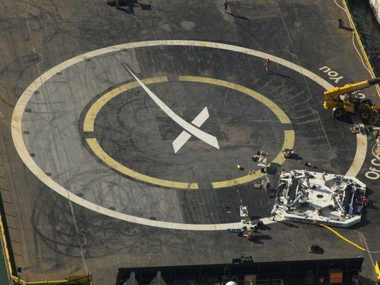 [SpaceX] Robotisation de la manipulation du premier étage une fois posé sur l'ASDS 151