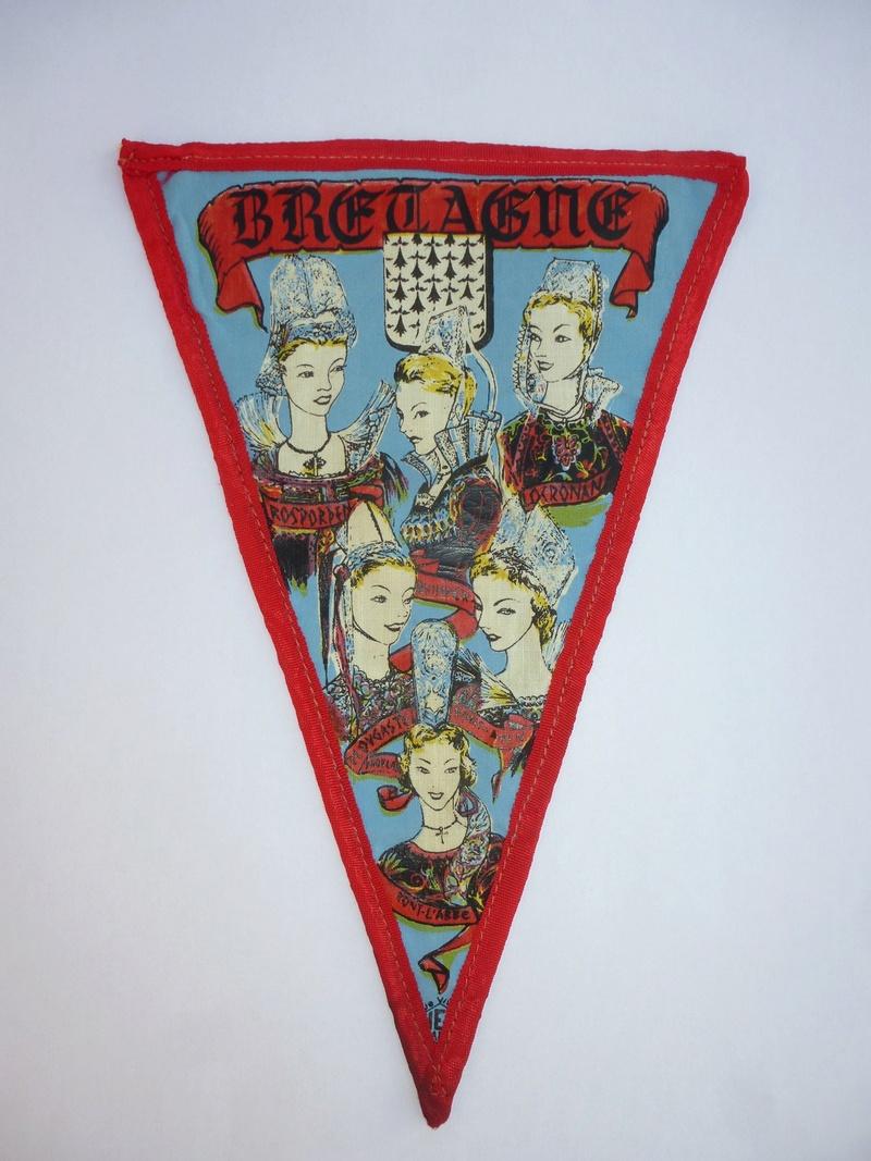 vieux fanion et insigne du TCF (touring club de France )  P1090215