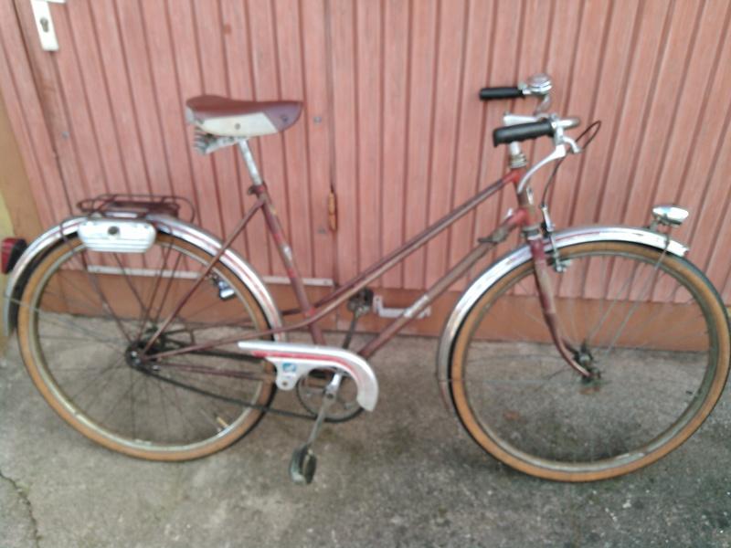 vélo peugeot dame 1952 rétropédallage et moyeu à vitesses torpédo Kimg0021