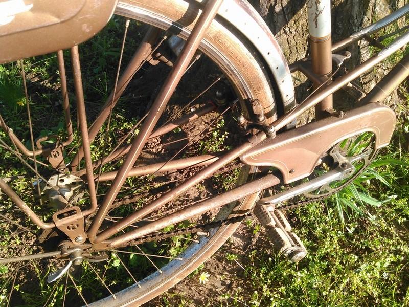 bicyclette motoconfort années 50/60 Kimg0059