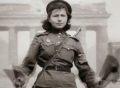 Soldate soviétique à Berlin , fin mai 1945 39640510