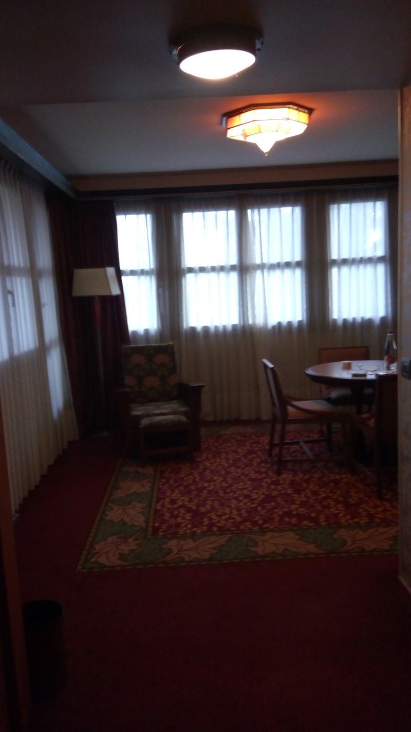 [Topic unique] Les suites des hôtels Disney, Castle Club et Empire State Club - Page 7 Img_2018