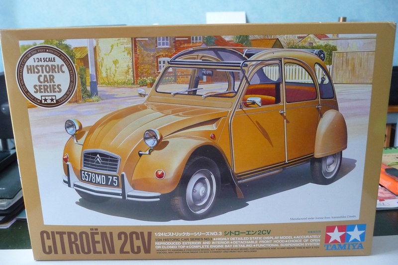 CITROËN 2 CV BERLINE - TAMIYA-EBRO 1/24éme  Historic car series N° 3 P1070117