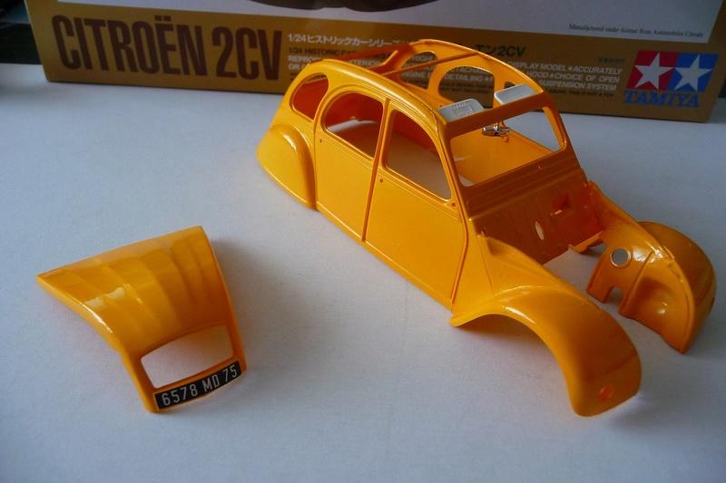 CITROËN 2 CV BERLINE - TAMIYA-EBRO 1/24éme  Historic car series N° 3 P1070120