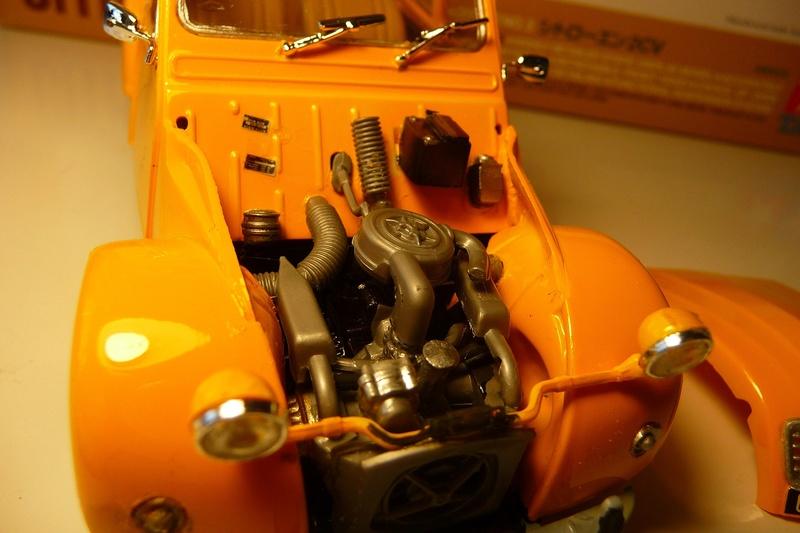 CITROËN 2 CV BERLINE - TAMIYA-EBRO 1/24éme  Historic car series N° 3 P1070129