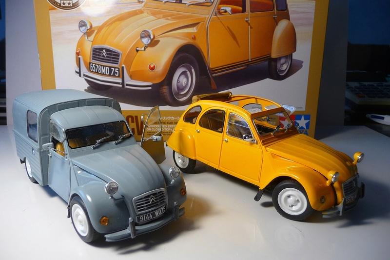 CITROËN 2 CV BERLINE - TAMIYA-EBRO 1/24éme  Historic car series N° 3 P1070130