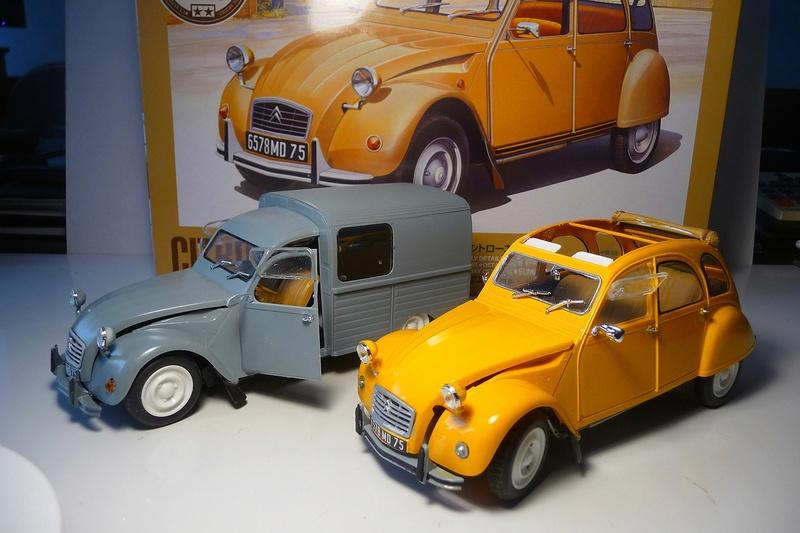 CITROËN 2 CV BERLINE - TAMIYA-EBRO 1/24éme  Historic car series N° 3 P1070131