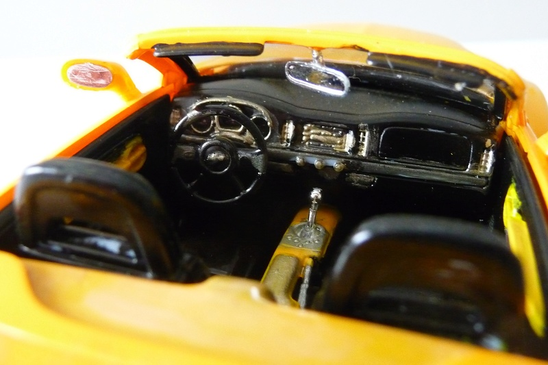REVELL TRUCKS 1/25éme-  CHEVY SSR Pickup  réf= 85-7206 P1070225