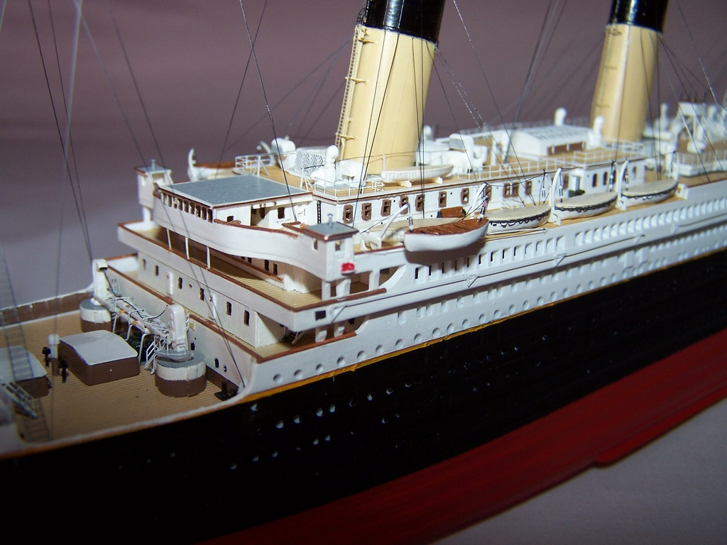RMS Titanic-Revell 1/570 100_5811