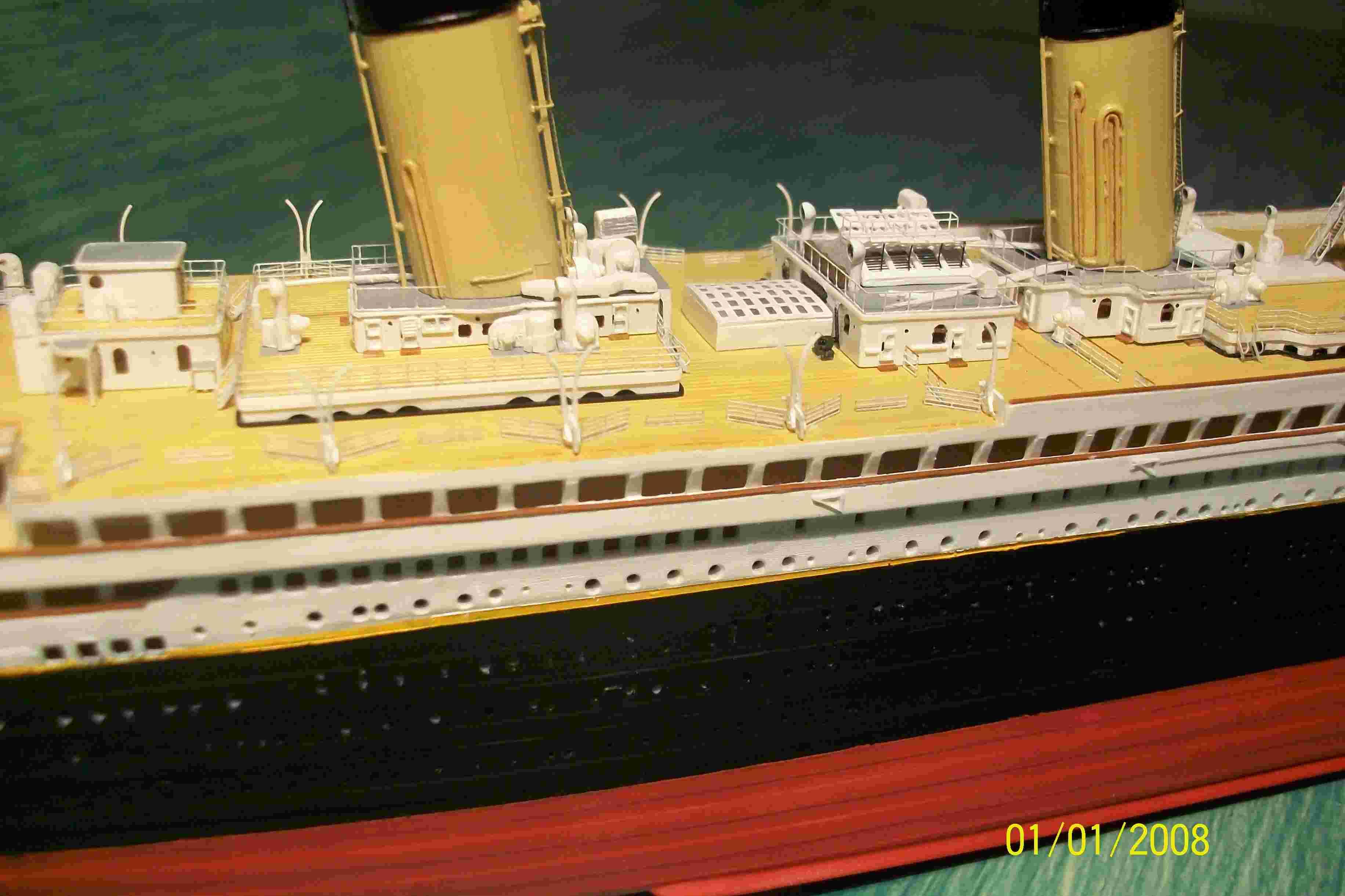 RMS Titanic-Revell 1/570 Titani10